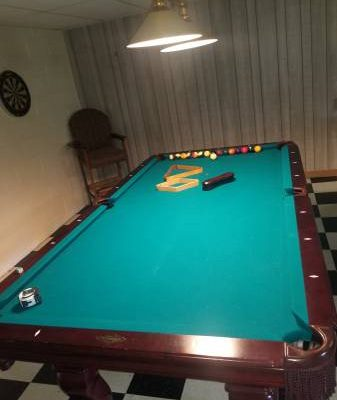 8ft Imperial Pool Table with Accessories